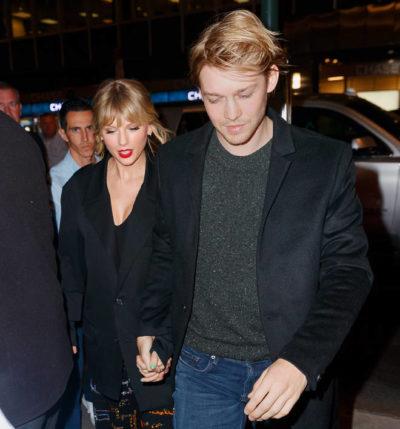 Taylor Swift with boyfriend joe Alwyn